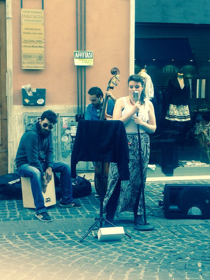 Good music is essential for a good life. Here, M&M Fabrizi (Visit them on Facebook). Best musicians of my town