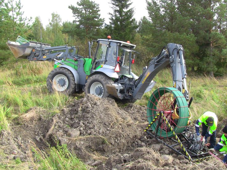 Lannen - For construction of electrical networks  #Lannen #backhoes #machine #construction