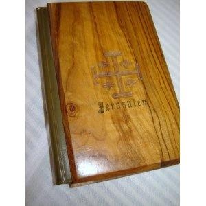 Messale Romano Festivo Italiano / Aggiornato al Decreto del 26 Luglio 1960 / Edizioni Paoline / Printed in Italy - Special Olive wood cover from Jerusalem $79.99