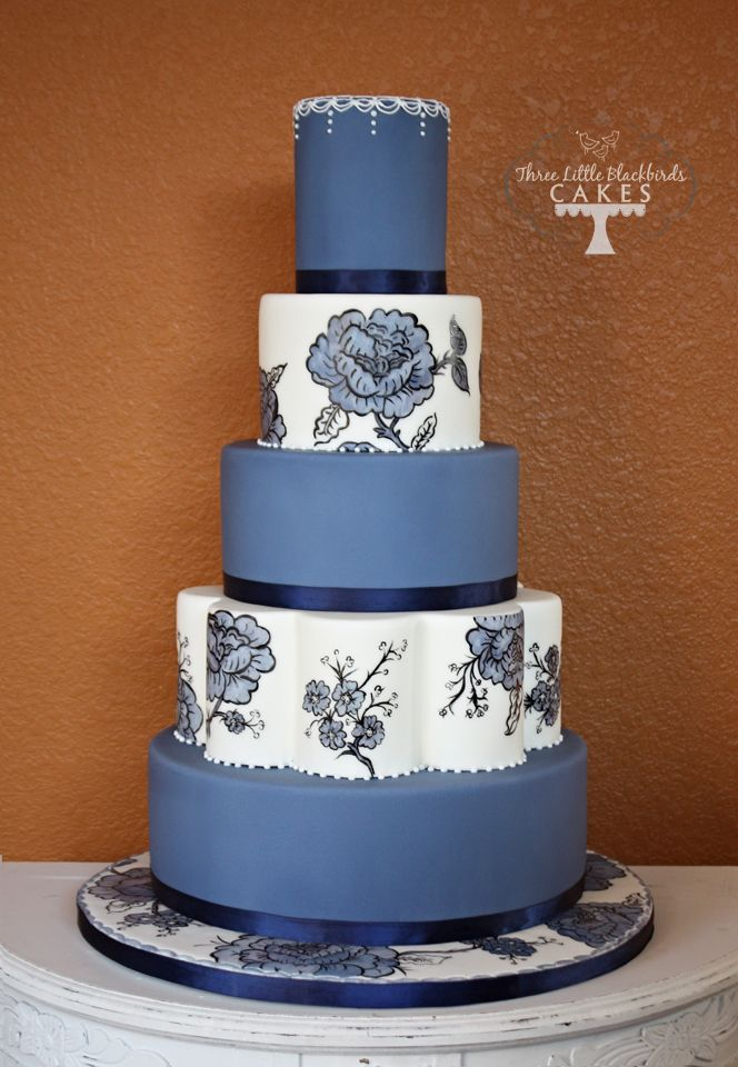 Painted blue floralBlackbird Cake, Hands Painting, Floral Wedding Cake, Floral Cake, Lace Cake, Cake Decor, Eating Cake, Blue Floral, Painting Cake