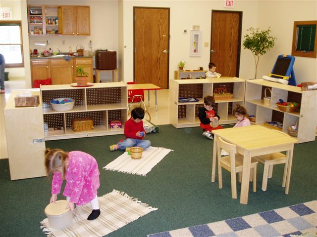 Montessori Classroom Decor ~ Ideas to try about montessori classrooms maria