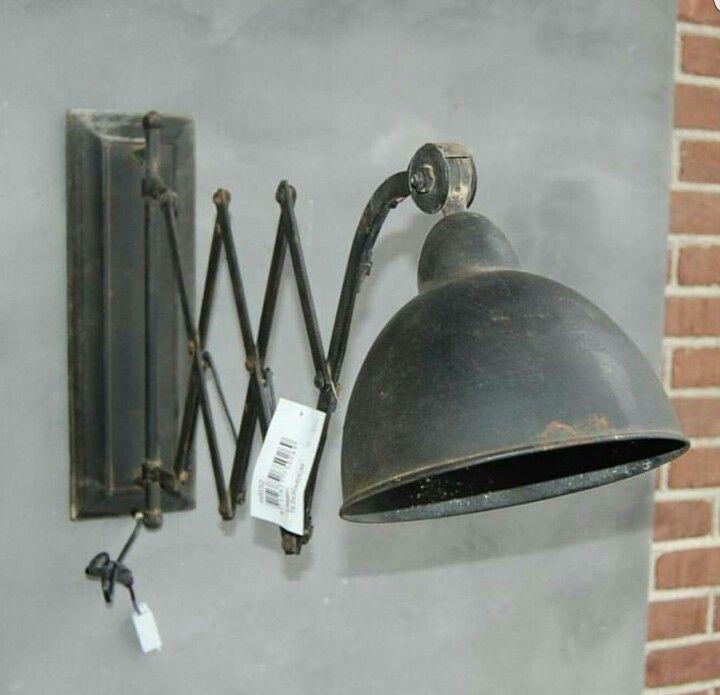 Stoere industriële wandlamp www.huisjemetspulletjes.nl