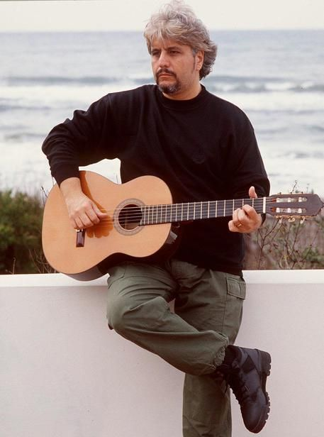 Pino Daniele nel 1997 © ANSAlove you pino never forget you