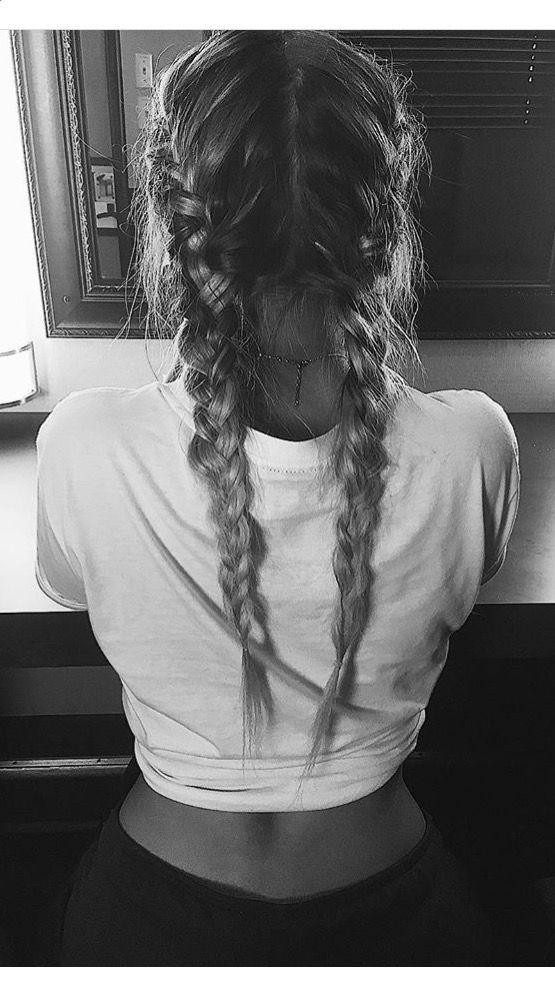 Lennon Stella - hair - braids