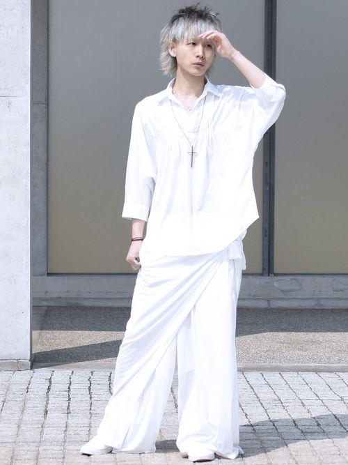 シャツ・ブラウス「ピンタック入りドルマンスキッパーシャツ」を使ったShotaroKonishiのコーディネートです。WEARはモデル・俳優・ショップスタッフなどの着こなしをチェックできるファッションコーディネートサイトです。