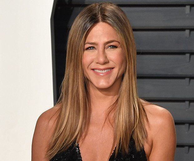 Here S What To Ask For To Get Jennifer Aniston S Hair Color Jennifer Aniston Hair Color Jennifer Lopez Hair Color Jennifer Aniston Brown Hair