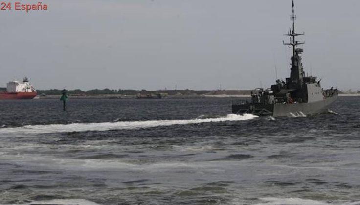 Estados Unidos recupera los cuerpos de diez marines tras la colisión de uno de sus buques destructores