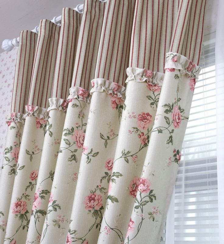 """This climbing rose pattern up to the ruffle then ticking is nostalgic. Perfect for...spare bedroom? Another pinner said, """"tende stile provenzale fiori e quadretti - Cerca con Google"""""""