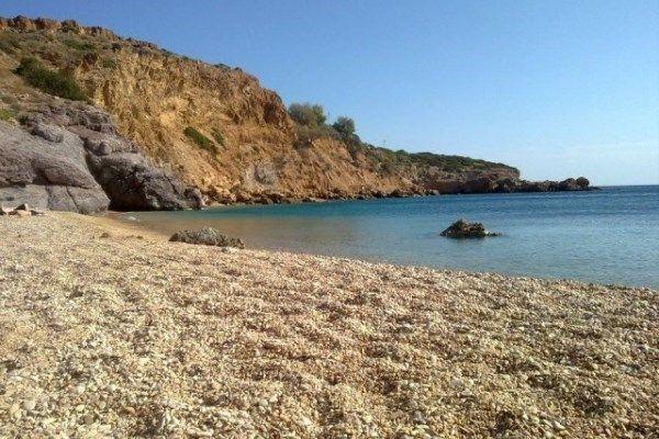 Οι δωρεάν παραλίες της Αττικής - Ποιος είπε ότι μένοντας στην πόλη το καλοκαίρι οι μέρες δεν μπορούν να είναι δροσιστικές;