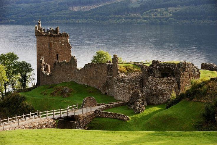Il punto di partenza ideale per esplorare i laghi, i monti e le baie della Scozia settentrionale, è sicuramente Inverness, la storica capitale delleHighlands scozzesi.La varietà di cose da fare e da vedere a Inverness…