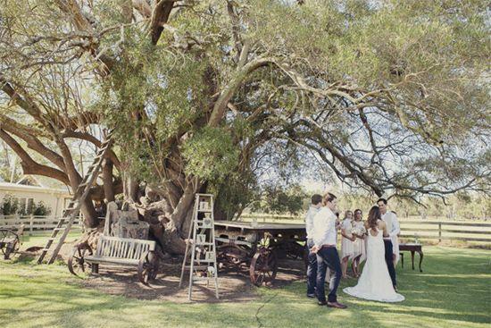 Julia and Simon's Relaxed Barn Wedding