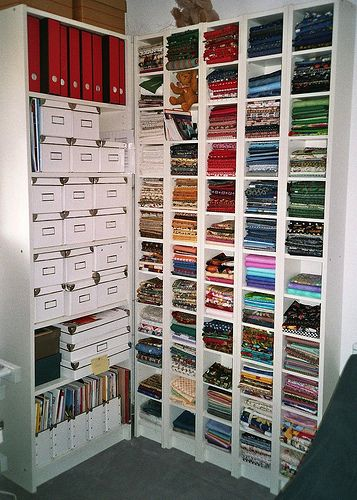 Great craft room idea. This would work for all types of crafts. I especially like how they have done the fabric. This would be a great addition to my room