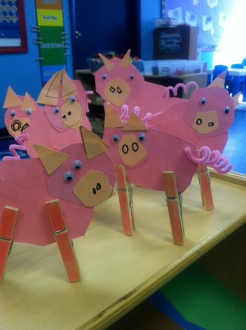 Nursery rhymes crafts - clothespin pigs