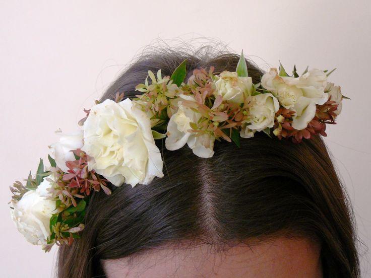 Coronita de flores naturales para 15 años.