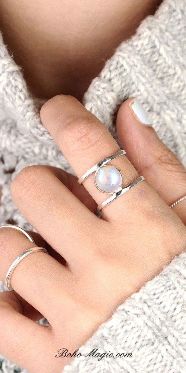 Bridesmaids Gifts Magic Blue Solitaire Ring with Sterling Silver 4 Prong Setting Quartz Ring in Silver