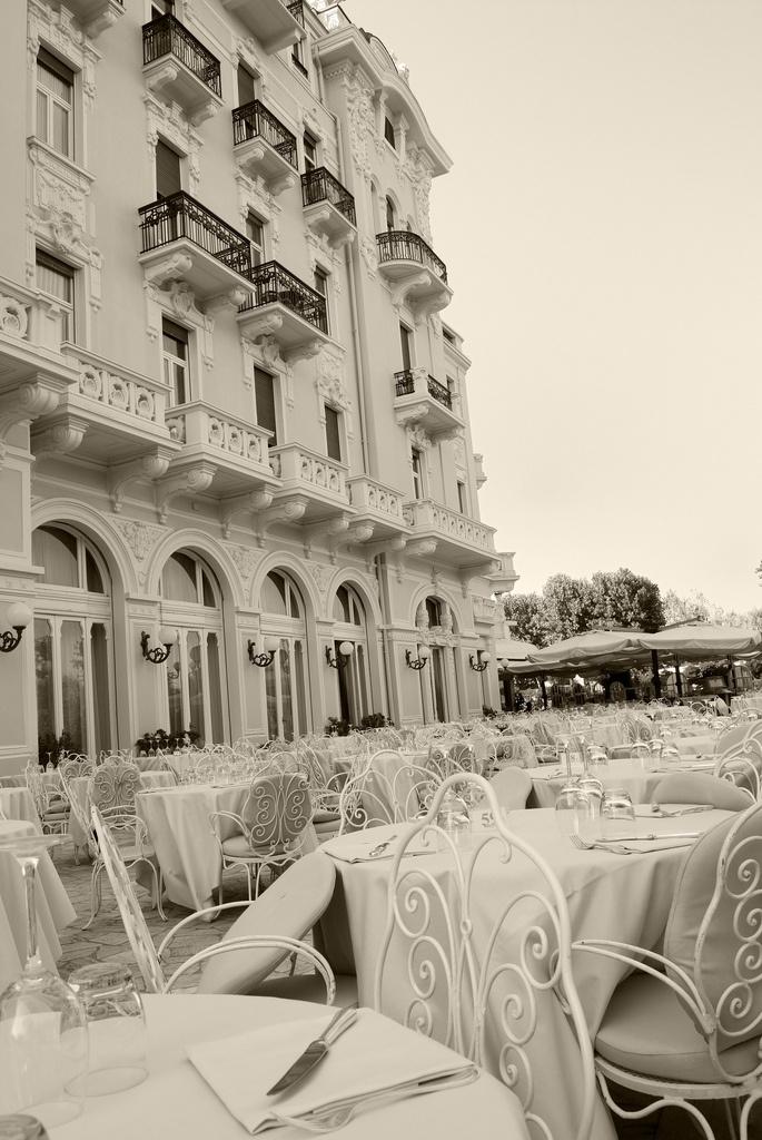 Grand Hotel Rimini #jetsettercurator