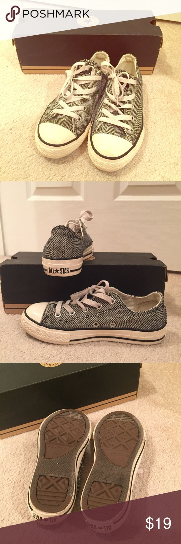 ‼️SALE‼️ Chuck Taylor All Star Converse Gently used unique design All Star Converse Kids shoe size 2 (fits same as women's size  5.5) Converse Shoes Sneakers