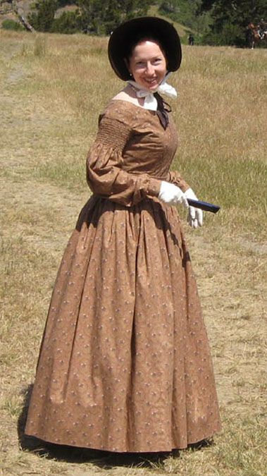 pioneer woman clothing. 1830s dress - pioneer trek woman clothing a