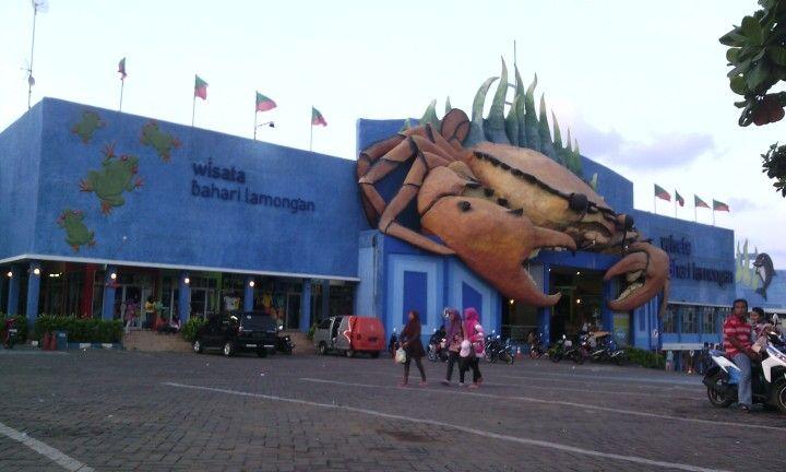 The biggest crab at Wisata Bahari Lamongan