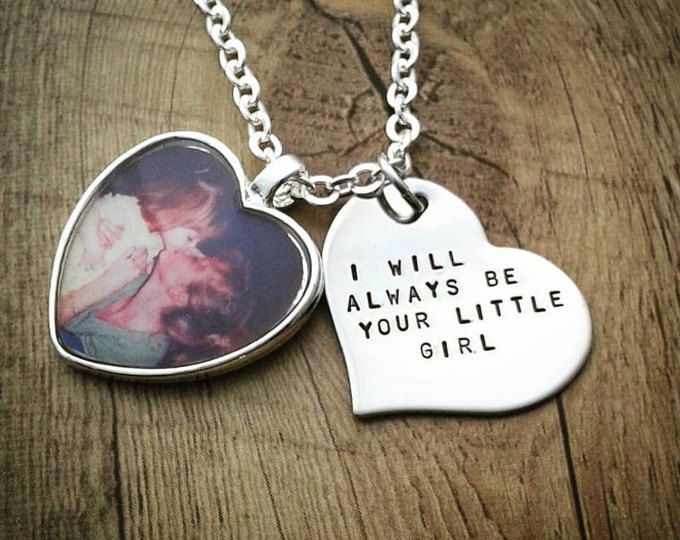 Estampillée de main personnalisé coeur Photo charme collier - mère de la mariée cadeau - cadeau pour maman - cadeau pour elle - mère du marié