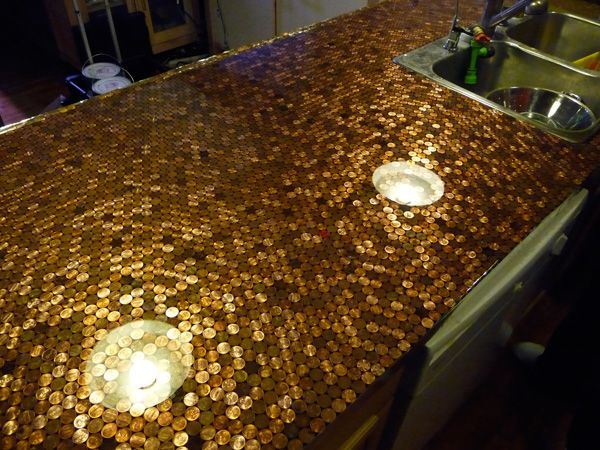 penny counter top: Projects, Ideas, Pennies Countertops, Bar Tops, Kitchens Countertops, House, Counter Tops, Diy, Penny Countertop