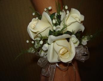 CORSAGES,wedding corsages,affordable corsages