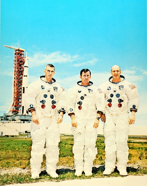 May 22, 1969: Thomas Stafford & Eugene Cernan pilot the Apollo 10 15 km (9.4 mi) above the lunar surface in a dress rehearsal for the first moon landing.