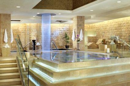Luxury Qua Bath & Spa In Las Vegas <3