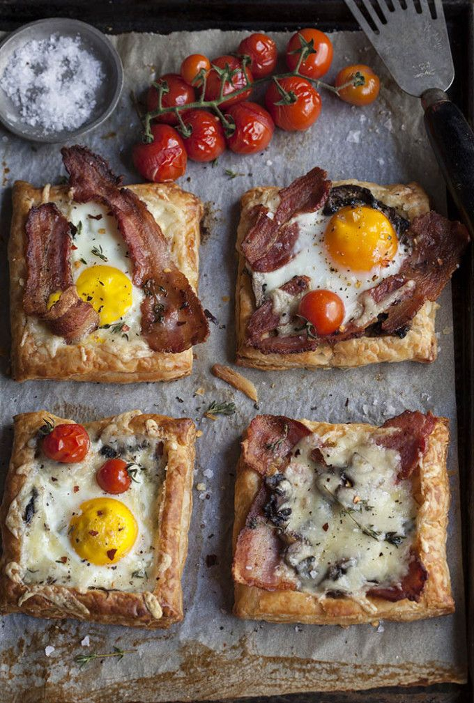 22 Favorite Ways to Use Puff Pastry: Bacon and Egg Breakfast Brunch Puff Pastry Pies / Tarts (Perfect to make for a brunch!)