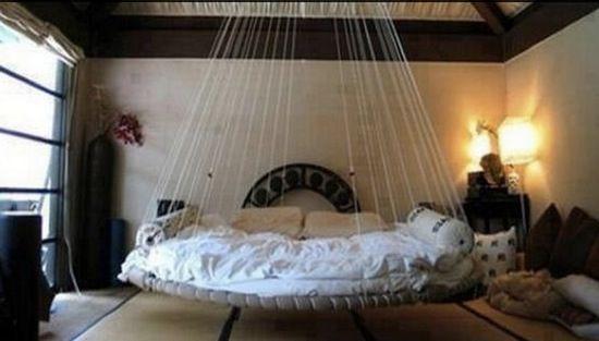 bei manchen vergammeln sie im keller aber diese 10 ideen f r alte trampoline sind ein traum. Black Bedroom Furniture Sets. Home Design Ideas