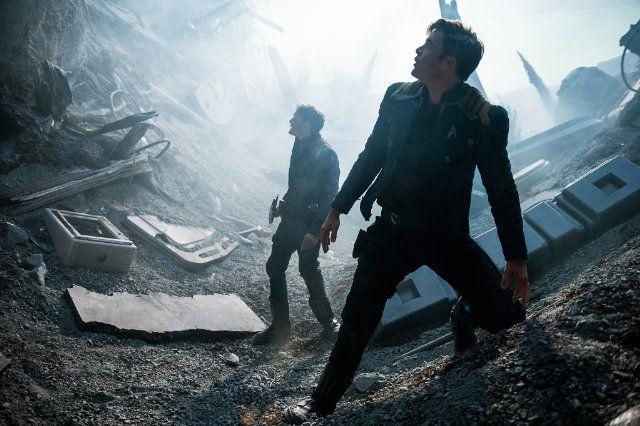 Anton Yelchin and Chris Pine in Star Trek Beyond (2016)