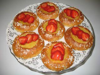 Pörden Keittiössä: Mansikkavanilja ja Simpukkapullat