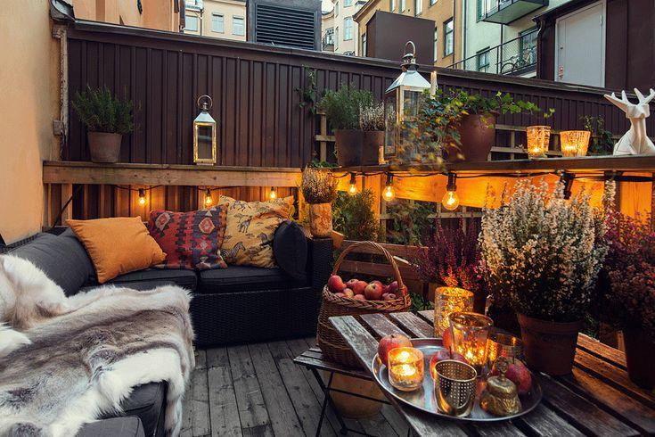 via Fantastic Frank. patio/deck styling idea for fall.