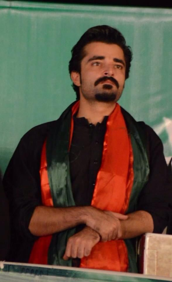 Hamza Ali Abbasi again in the Azadi March and seriously ive ran out of descriptions about such an amazing and talented person.