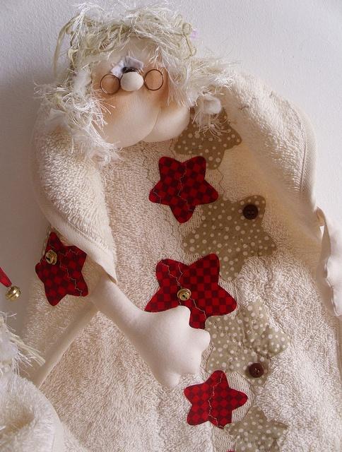 DETALHE DA TOALHINHA MAMÃE NOEL ABERTA by Atelier Eu & Voce by Andrea Malheiros, via Flickr
