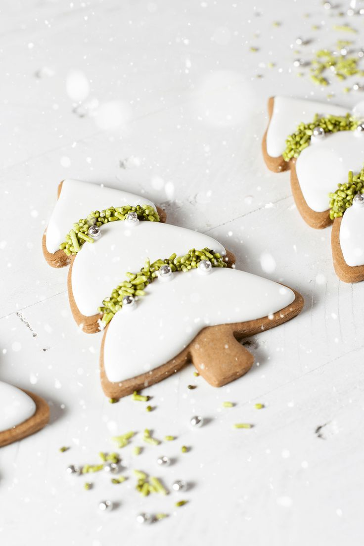 Gingerbread cutout cookies xx