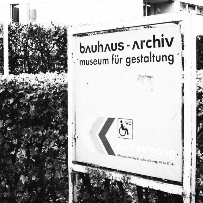 Bauhaus Archiv  #museum #fonts #newdesignmuseum #signage   via @thisway_london