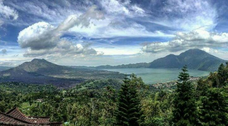 Trekking to mountain Batur as the main program, so for those of you who want to enjoy the beautiful sunrise from the summit of Mount Batur, do not hesitate to join us.