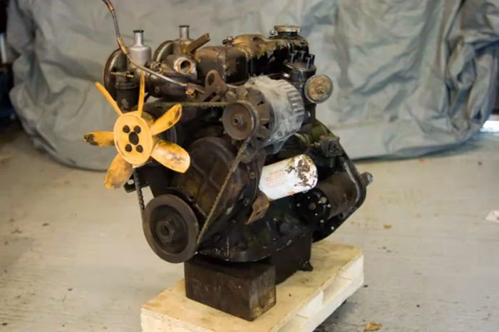 The engine rebuild sequence