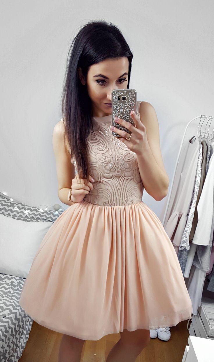 Tiulowa sukienka w cielistym kolorze / Nude tulle dress  349 zł