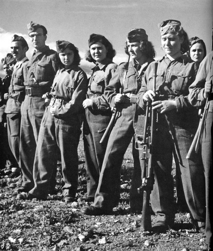 Young women serving in the People's Liberation Army of Greece