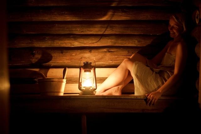 Saunassa Keski-Suomi/In the sauna in Central Finland  Kuva/Photo: Maalla / Hanna-Kaisa Hämäläinen  http://www.facebook.com/MatkaMaalle  http://www.keskisuomi.net/  http://www.centralfinland.net/