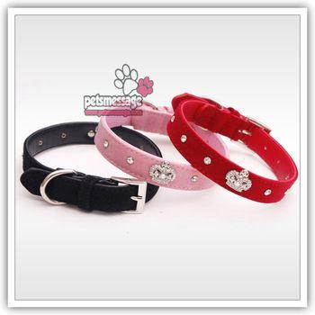 Détail chien collier de votre chien produits pour animaux domestiques chaude Bling strass couronne Charm collier cristal collier de chien velours en cuir 3 couleurs 1 pcs/lote