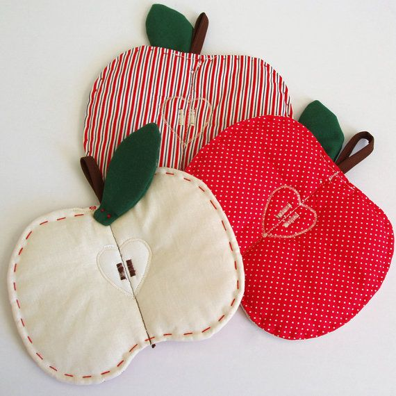 Apple trivets in three colors to choose