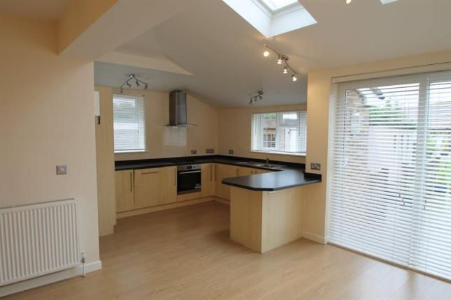 4 bed property to rent in Holmes Avenue, Hove