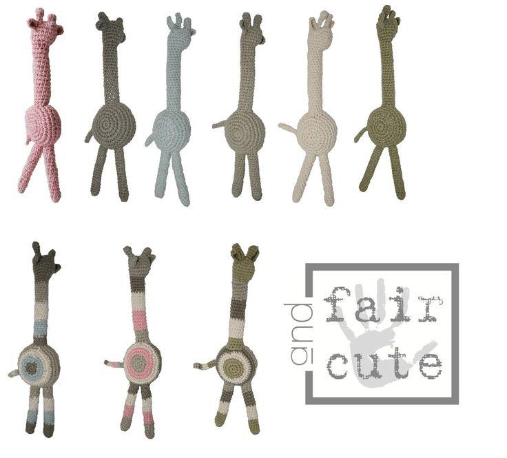 Gebreide knuffel giraf van Fair and Cute, verkrijgbaar in 9 verschillende kleuren! http://aukgaaf.com/nl/trends4kids-brocante-babykamer-landelijke-kinderkamer-complete-babykamers.html?brand=107