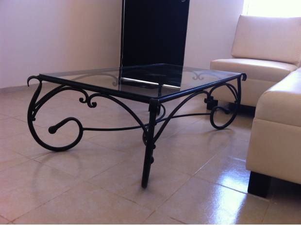 Buena mesa de centro de herrer a y cristal herreria - Mesas de forja y cristal ...