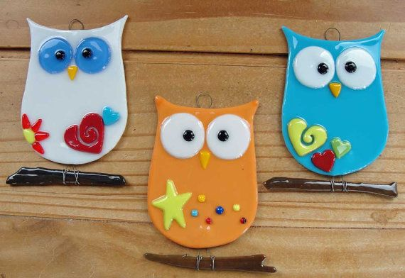 Hey, I found this really awesome Etsy listing at http://www.etsy.com/listing/157646992/fused-glass-owl-suncatcher