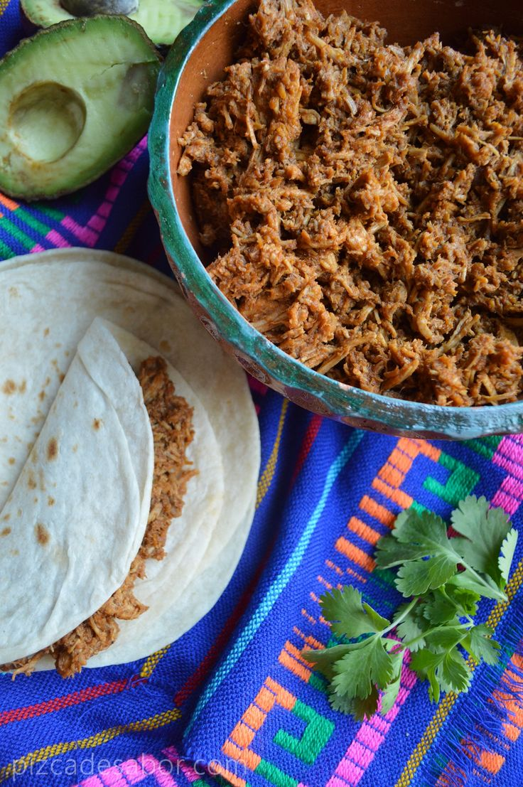 Chilorio pork pulled pork or beef - basic recipe to be adjusted. Use chipotle chillies in adobo and make 5 times the recipe! Add smoked paprika. Cook meat the day before and let soak in the sauce.