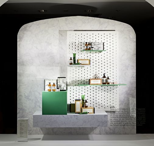 3+ EXHIBITION SYSTEM AT LUDWIG BECK SHOP IN MUNICH 3+ Catalogue: http://zieta.pl/catalogue_3+_2014_inches.pdf https://shop.zieta.pl/pl,c,27,kolekcja_.html https://shop.zieta.pl/pl,c,27,kolekcja_.html